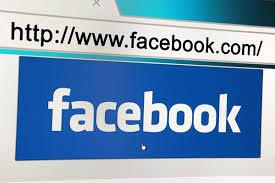 Facebook, guerra ai post attira-click
