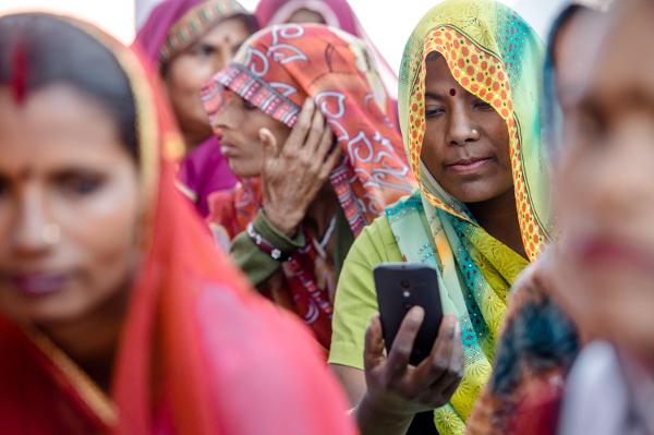 India, app antistupro su tutti gli smartphone dal 2017