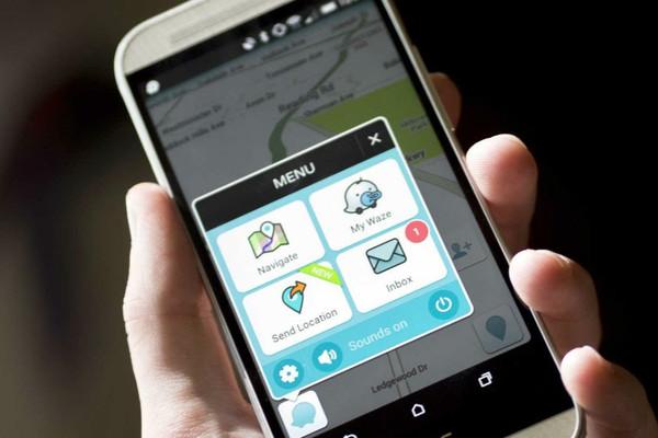 Google lascia Uber e abbraccia Waze Rider