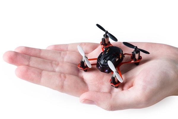 I micro-droni sfuggono alle normative, è boom di richieste