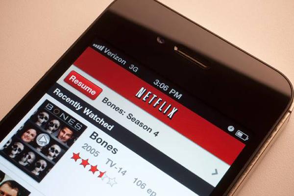 Netflix, nuove impostazioni avanzate per lo streaming da smartphone