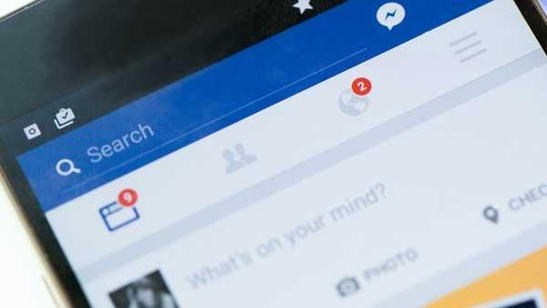 Multilingual Composer, nuova funzione di Facebook per creare post multilingua
