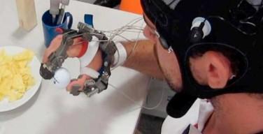 guanto hi-tech per ritrovare uso della mano