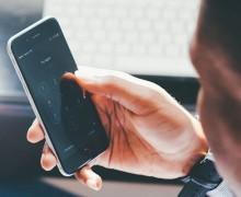 Cellulari sempre più invasi dalle notifiche. Tornano gli SMS?