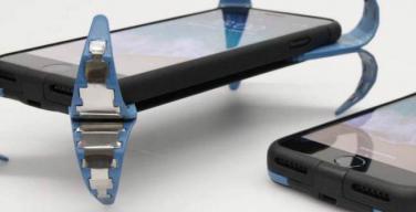 Smartphone brevettata una cover che fa da airbag